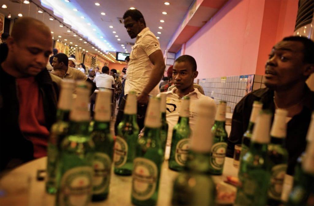 """Résultat de recherche d'images pour """"africa, youths, beer"""""""